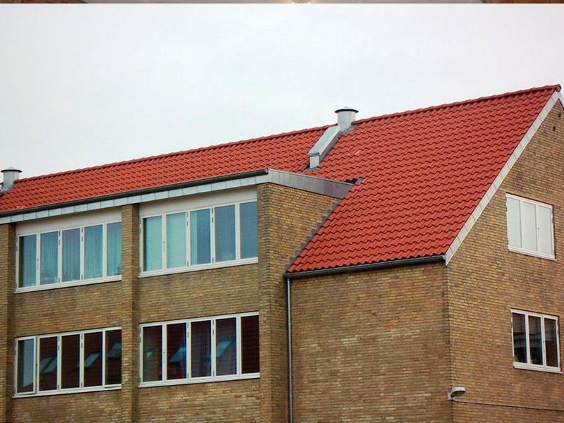 renovering af tag og vinduer