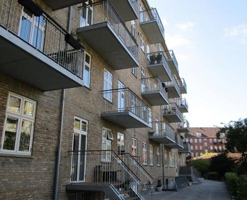 ejendom med nye altaner