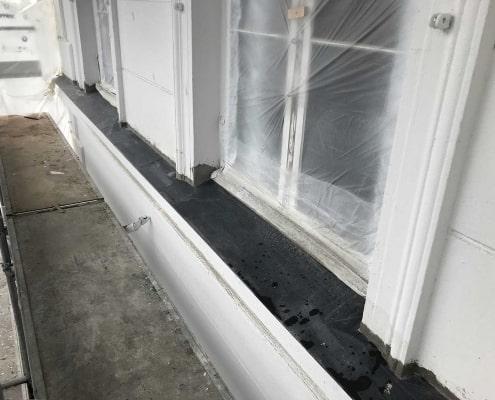 nye vinduer og stillads